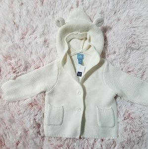 NWT Baby GAP 3-6 month Cream Colored Sweater